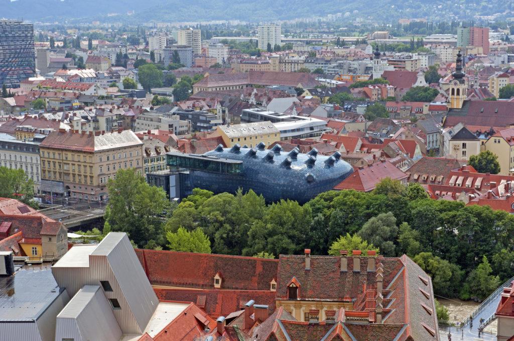 Das Kunsthaus in Mitten von Graz