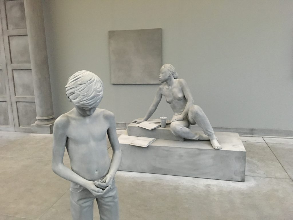 Skulpturen von Hans Op De Beeck The Collectors House Art Basel