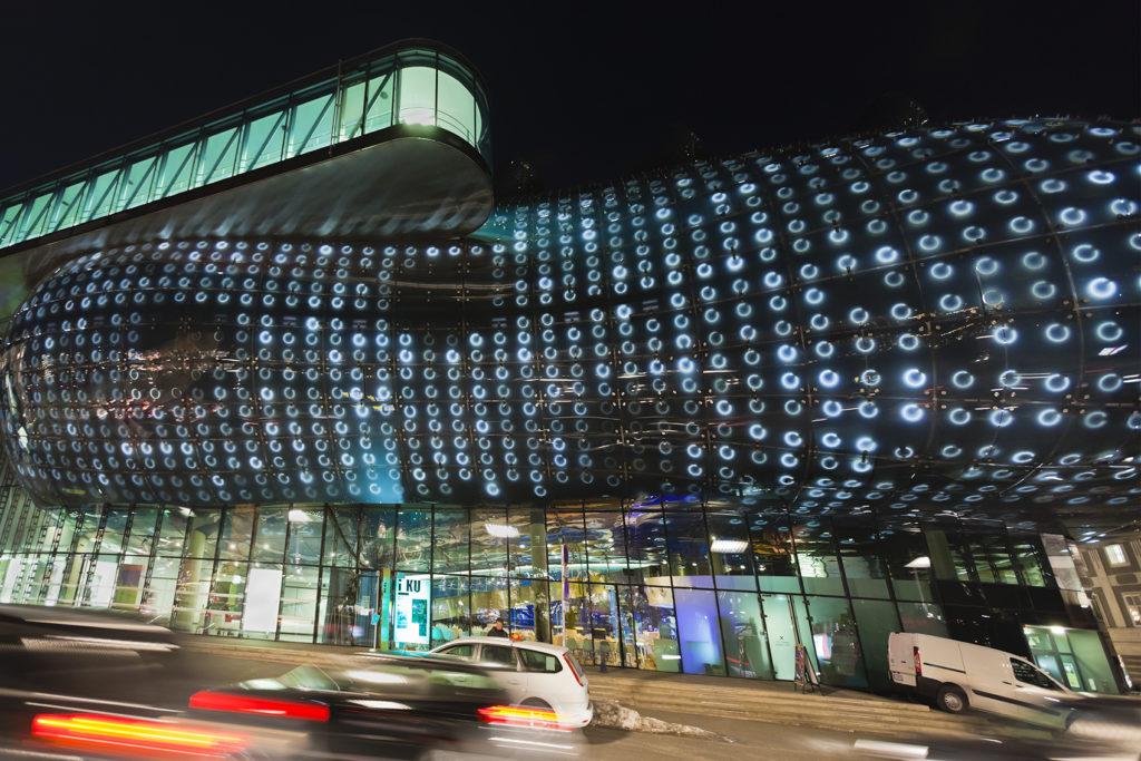 Das Kunsthaus Graz bei Nacht
