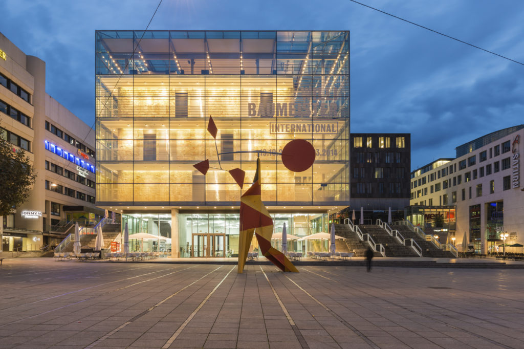 Das Kunstmuseum Stuttgart bei Nacht